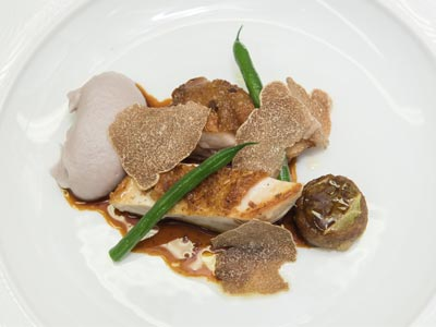 62-Otto-e-Mezzo-poulard-from-Bresse-with-Alba-white-truffles